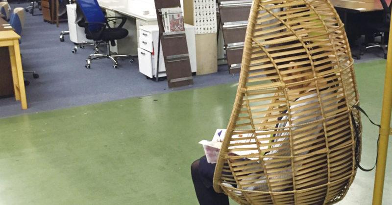 卵型編み込みデザイン