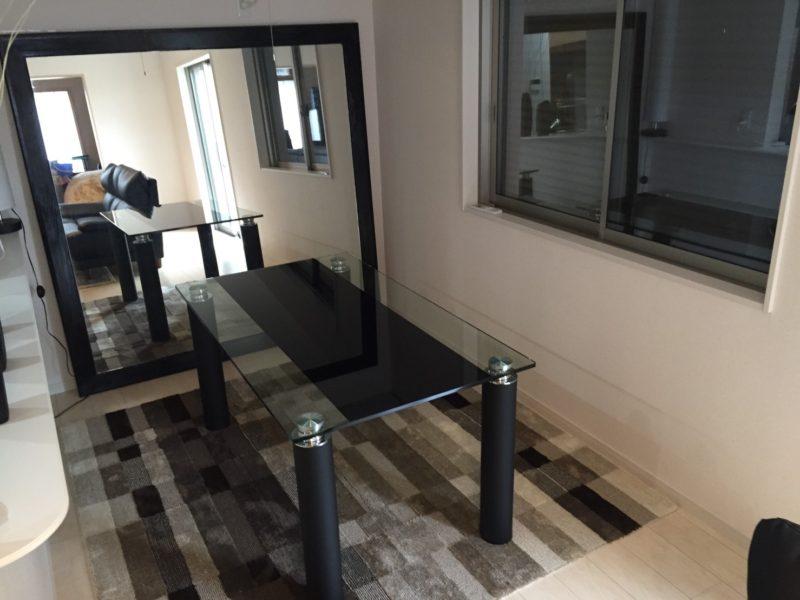 ガラス天板ダイニングテーブル