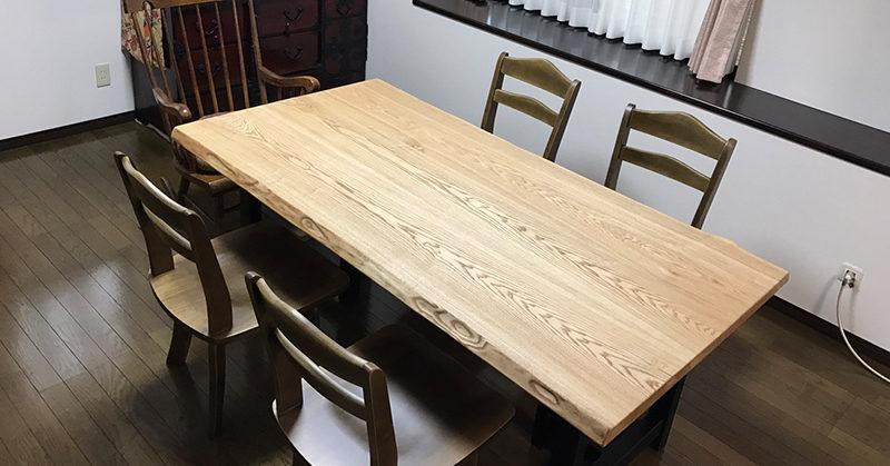 新居町F様宅タモ材一枚板テーブル