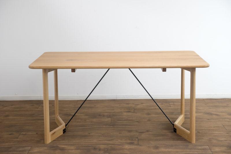 イエノワダイニングテーブル