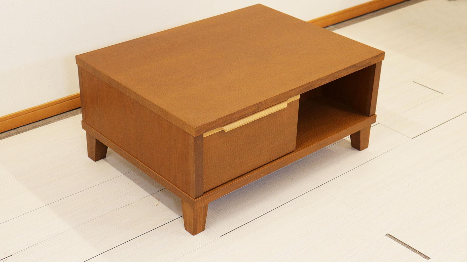 正方形のセンターテーブル