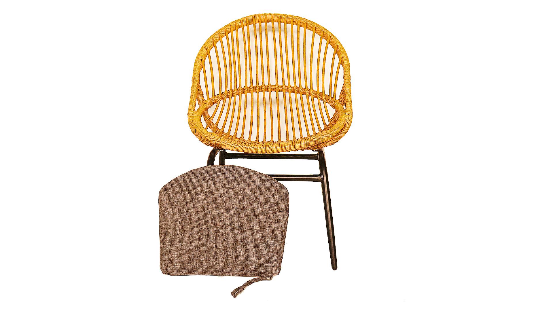 東馬のガーデンファニチャー。オーバルチェア、リゾネアの外用の椅子のクッションが外れるの画像