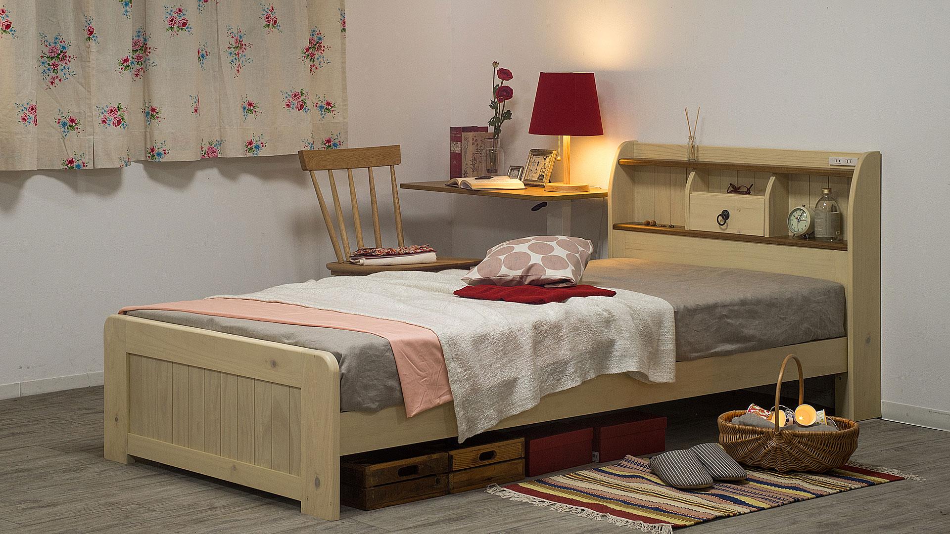リビンズのベッドフレーム「アンソレイ」の展示の画像
