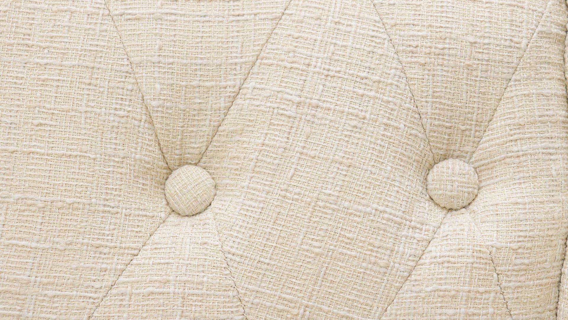 サンコウのカラーバリエーションが豊富な横幅120㎝の小さい二人掛けのソファ、プチのボタン留めの画像