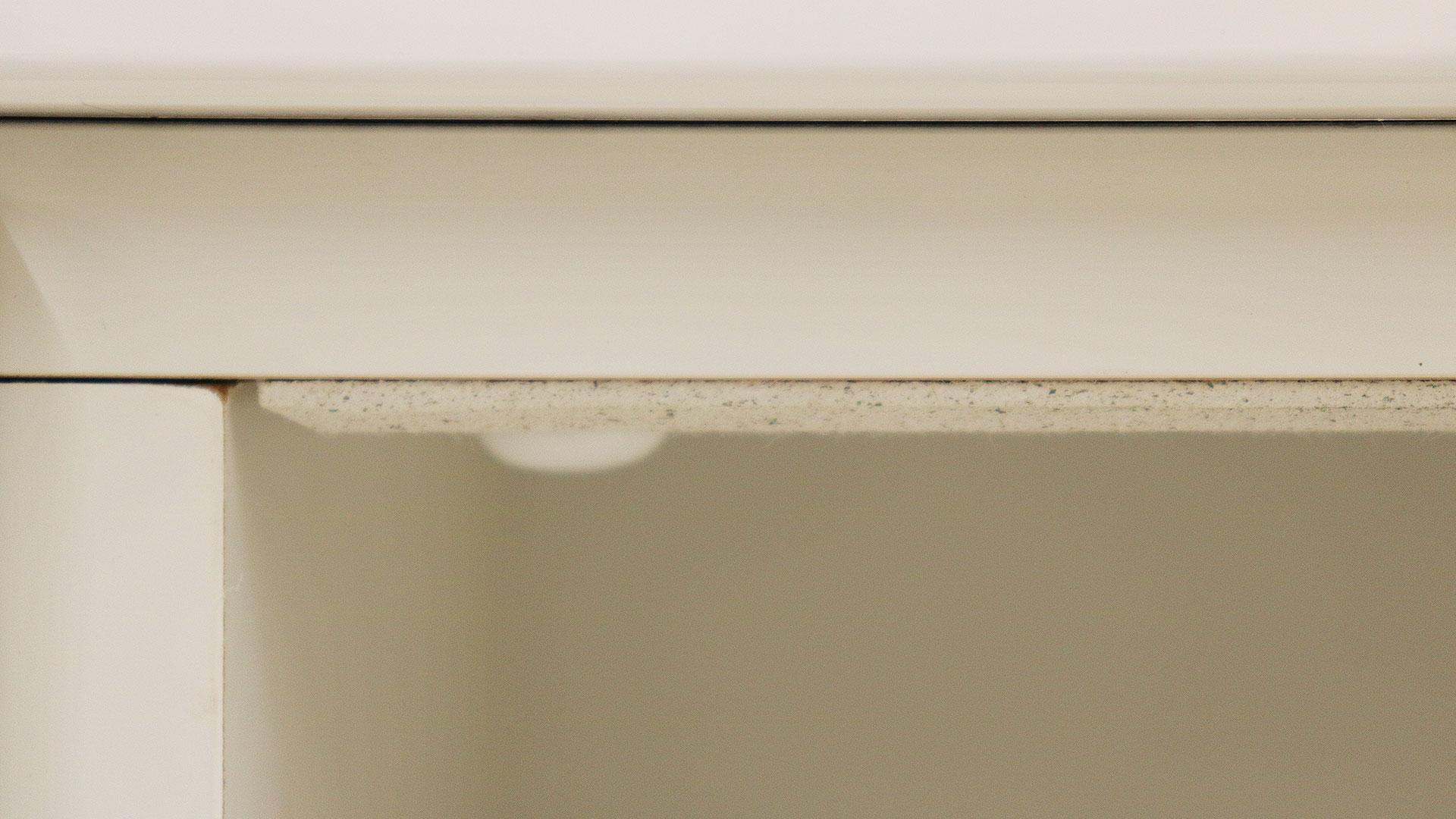 日本製の横幅90㎝のレンジ台食器棚トスティのモイスの正面画像