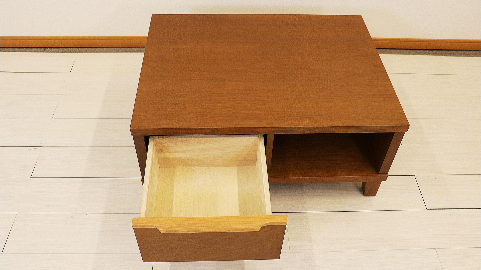 正方形のセンターテーブルの引き出し画像