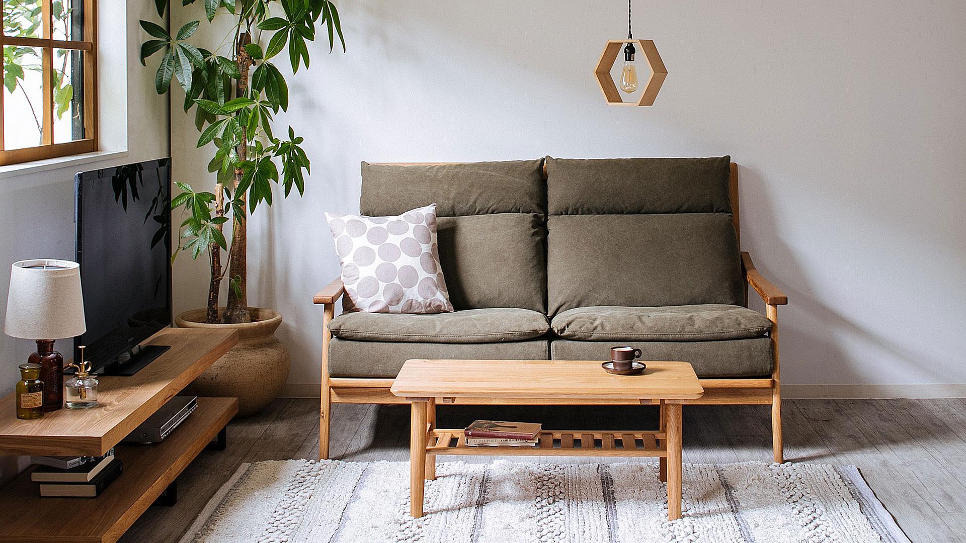 リビンズのソファ「ロイズ」の展示の画像