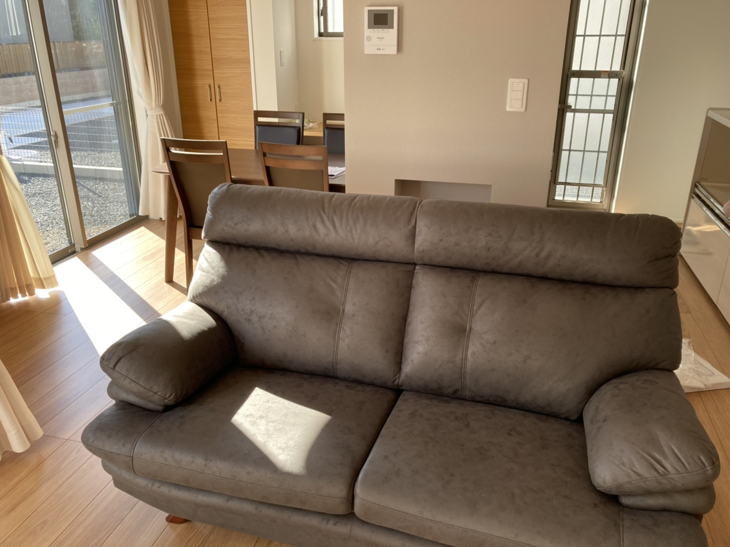 磐田市福田にお住まいのY様宅へお届けした2.5人掛けソファの「ジェム」