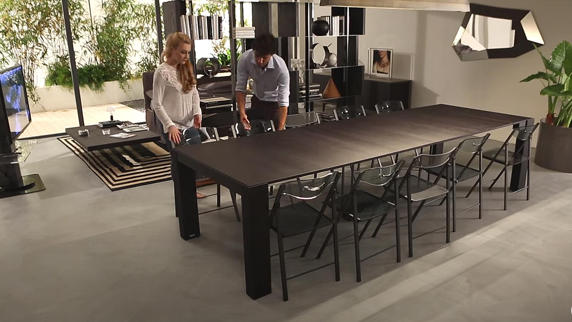 オフィスでエクステンションテーブルを使用する利点。ミーティングにもオススメの画像