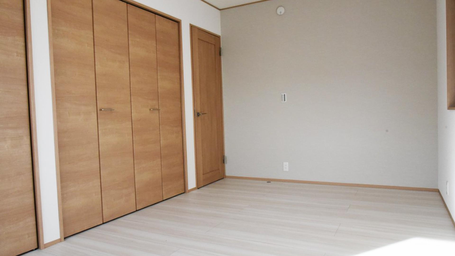 浜松市の不動産会社、株式会社リンクの作る一軒家のクローゼットの画像