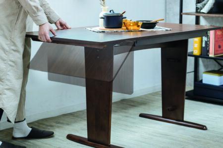 折りたたみタイプの伸長ダイニングテーブル