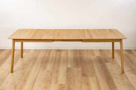 バタフライ型テーブルの画像