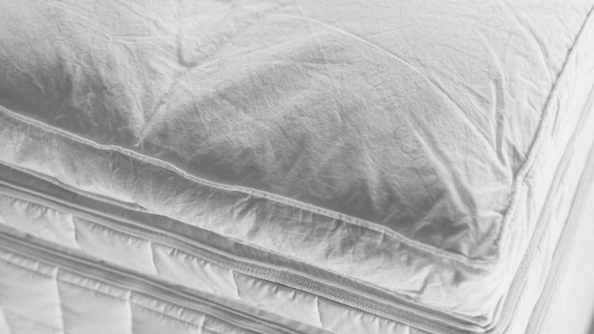 ノンコイルマットレス用のトッパーのキリアキの画像