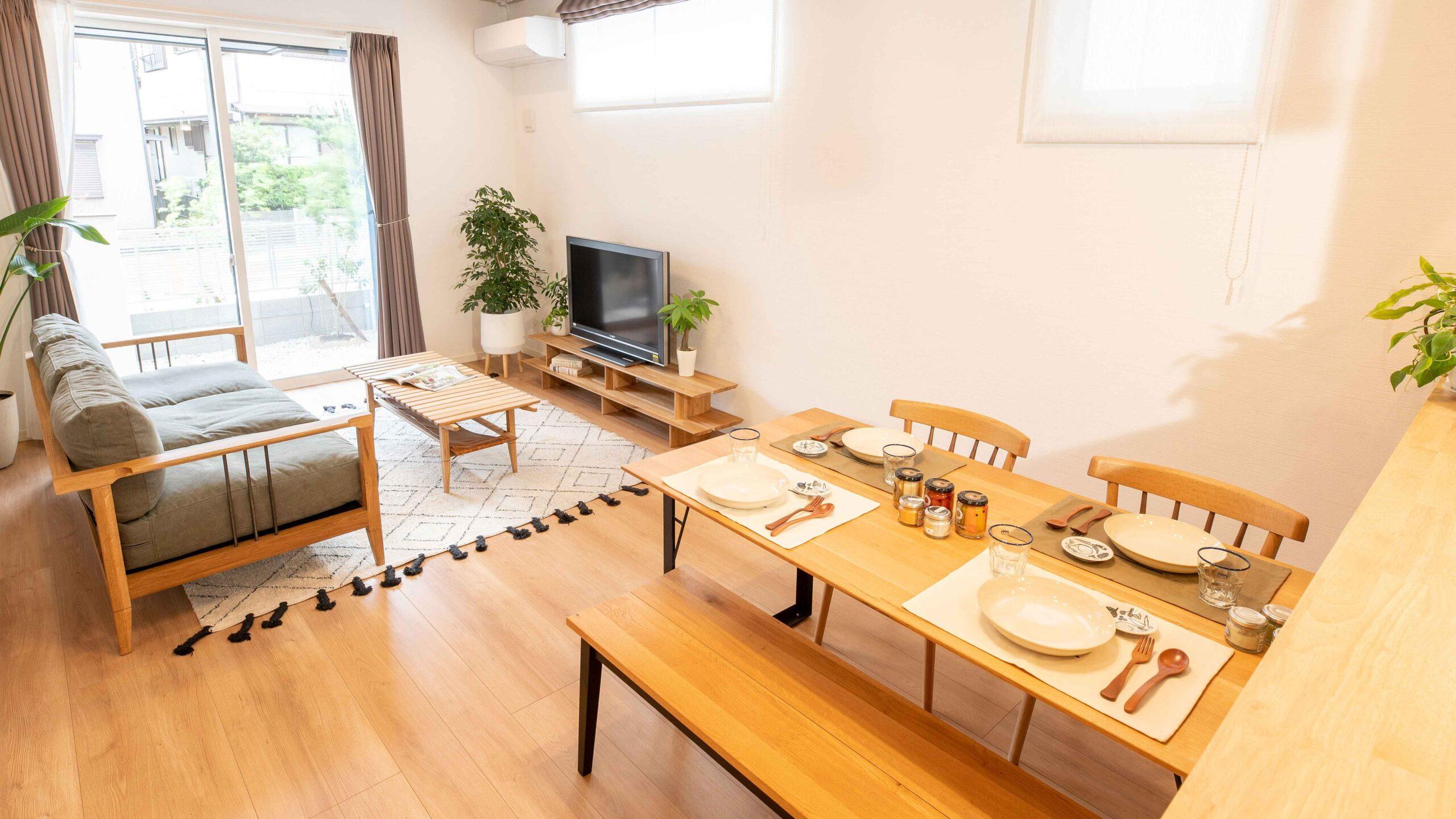 豊川市の御油町の新築のリビングの画像。ナチュラルテイストのコーディネート家具